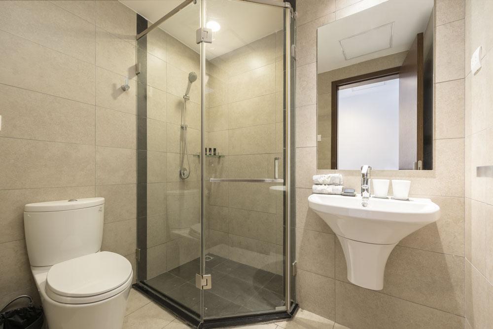 bathroom-1-3BR-lancaster-hanoi