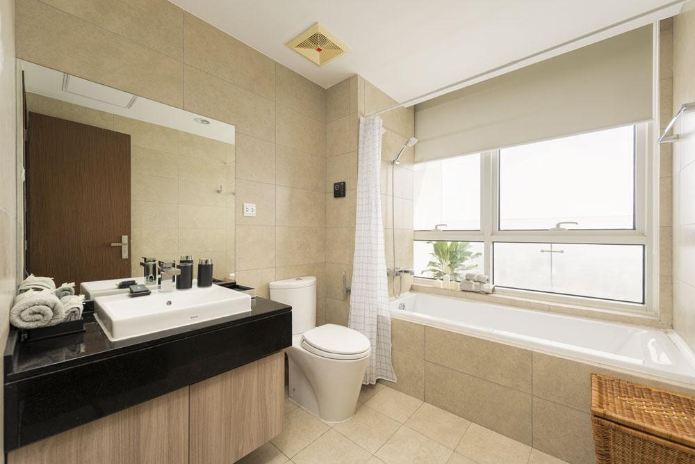 bathroom-2-3BR-lancaster-hanoi